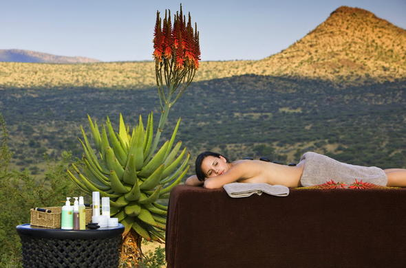 Guests enjoying a spa treatment at GocheGanas Nature Reserve.